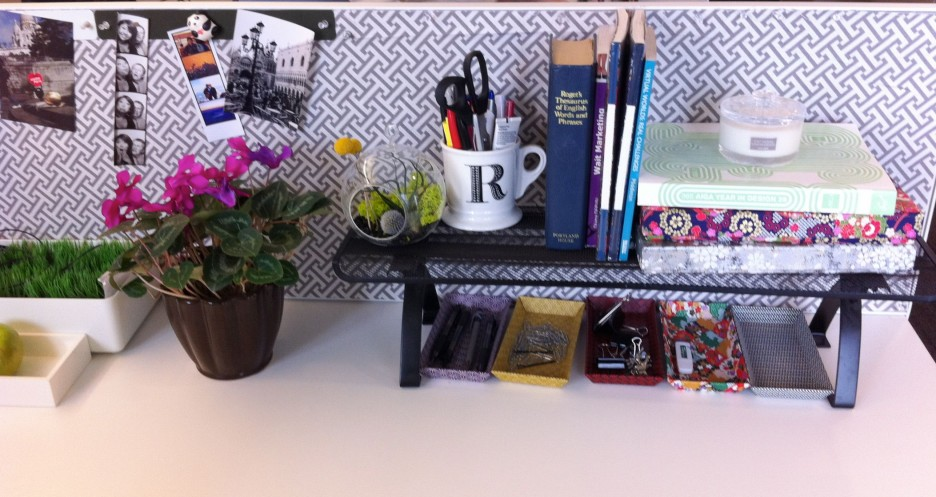 Office Cubicle Work Desk Decor Ideas