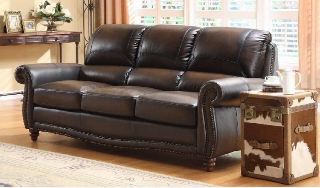 Sofa designs for rustic style living rooms home design for Traditional leather furniture