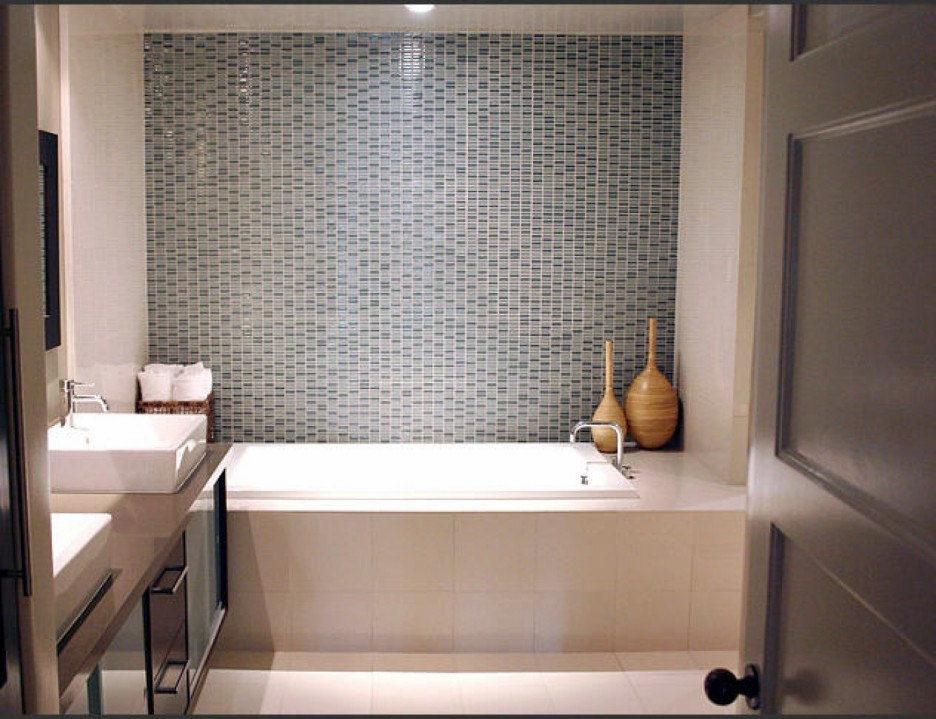Gorgeous-Small-Bathroom-Tile- ...