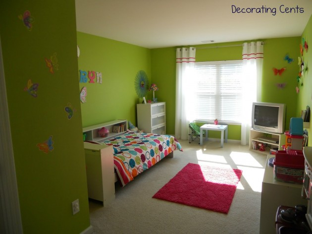 Small bedroom decorating ideas with bright color for Bright green bedroom ideas