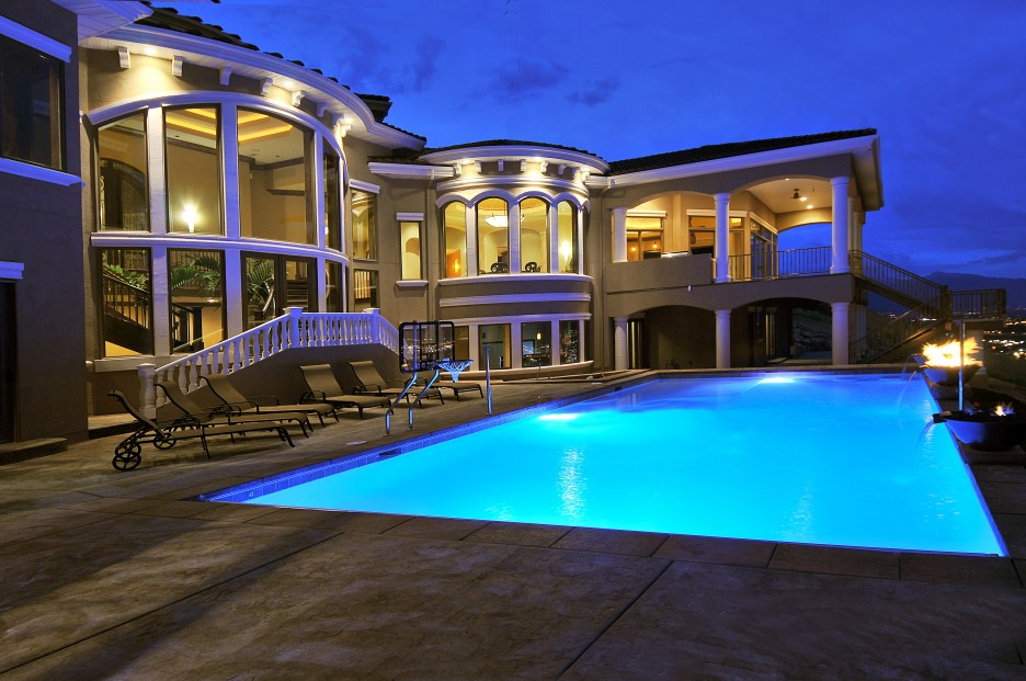 Large Swimming Pool Design Applied In Front Area Of Mansion With Pools