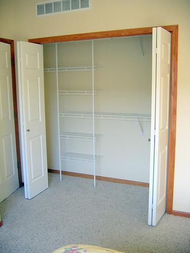 Bedroom: Wonderful Modern Minimalist Closet Ideas For Small Space