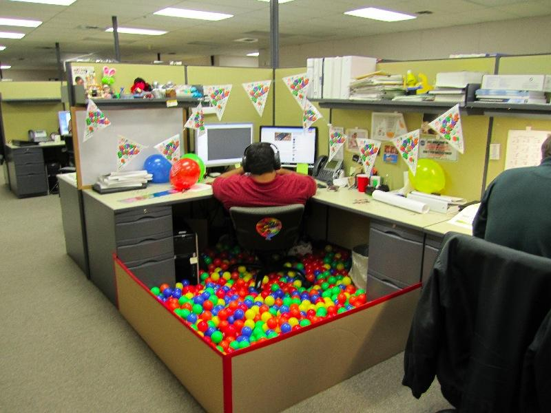 Brthday-Party-Office-Cubicle-