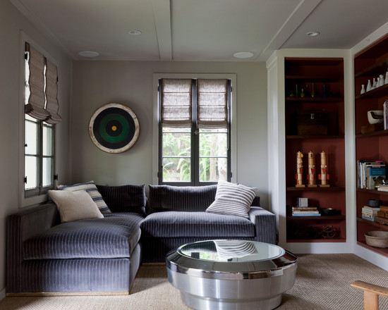 Colonial Style Living Room Interior Design Supported By Striped L ...