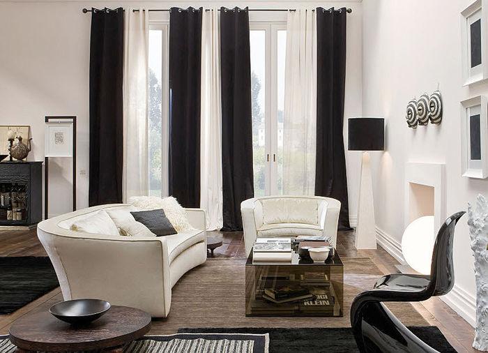 Furniture: Eccentric Living Room Interior Design With Luxury Sofas ...