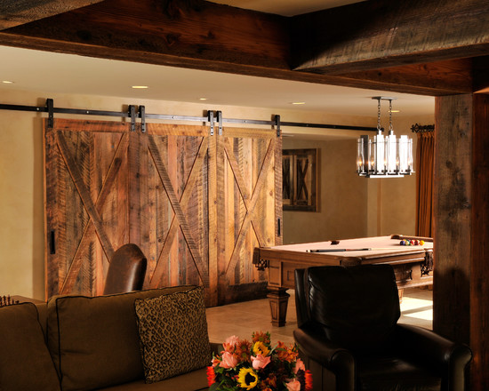Gorgeous Rustic Lodge Style Basement Design Ideas With Fabric Sofa And