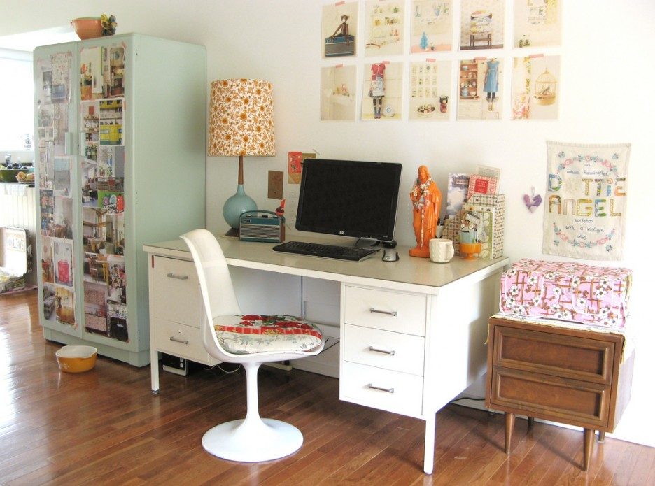 Office & Workspace: Intriguing Workspace Decorating Ideas With