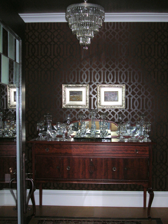 Top And Bottom Combined With Traditional Wooden Furniture And Crystal