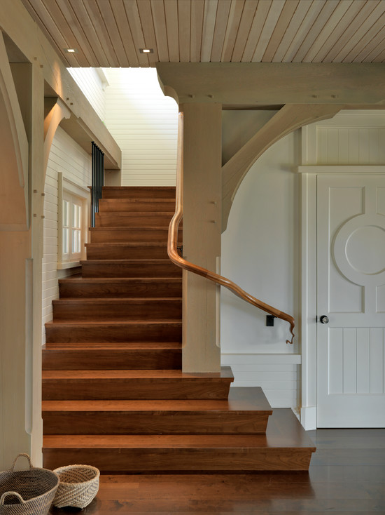 Stunning Traditional Entry Decor With Wooden Staircase And Plank Wall