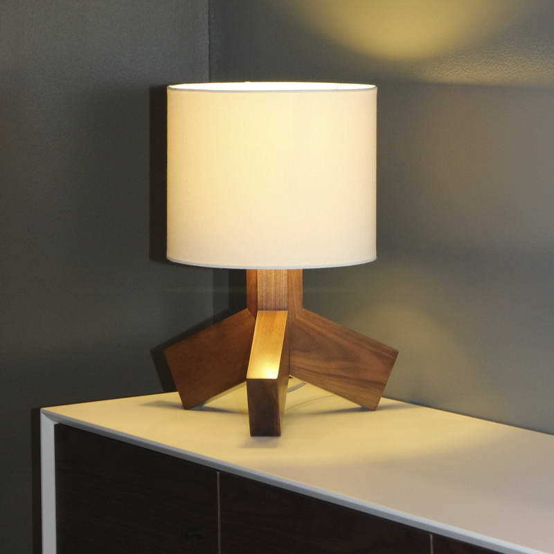 battery operated table lamps with modern lampshade wonderful battery. Black Bedroom Furniture Sets. Home Design Ideas