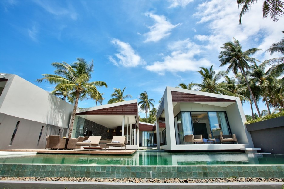 Villa: Incredible Swimming Pool Area View Of Mandalay Beach House ...