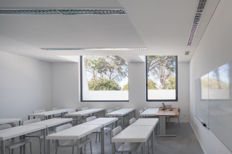 Modern University Classroom Design : Interior design ideas architecture modern