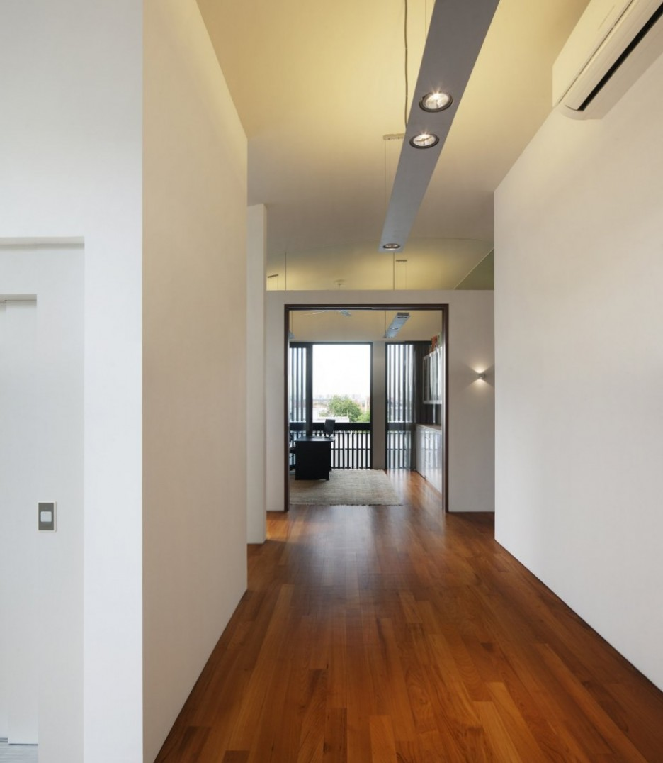 Hallway wooden flooring ideas modern diy art designs for Interior hallway designs