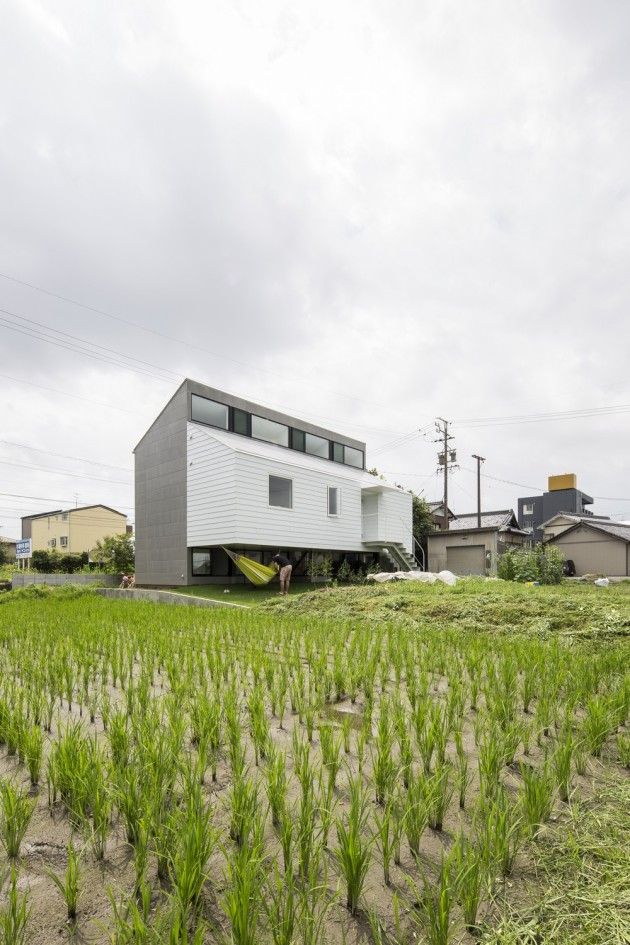 Modern Japanese Architecture Home Gives Inspiring Design Idea: Naturally Architecture Kawate Residence Home Design Exterior Used Small Home Shaped In Contemporary Decoration Ideas ~ claffisica.org Architecture Inspiration