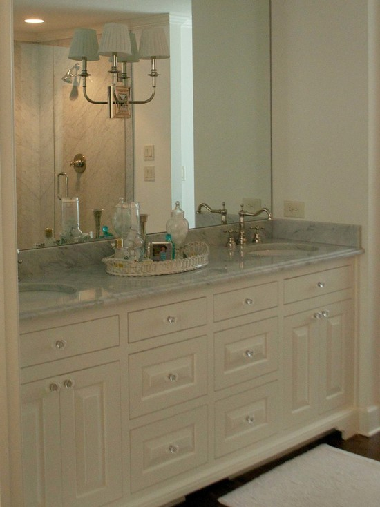 Wonderful White Mountain House Designed in Modern Building Style: Sensational Bathroom Interior In Mountain Brook Road House With Traditional Vanity Furniture Made From Wooden Material And Marble Countertop