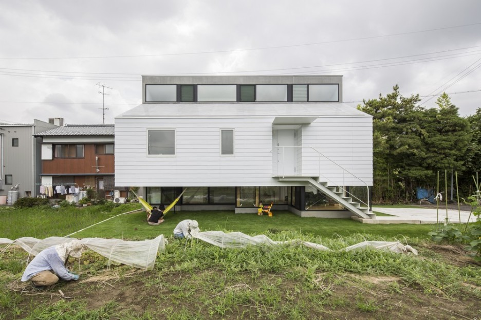 Modern Japanese Architecture Home Gives Inspiring Design Idea: Beautiful Eterior Kawate Residence Home Design Used Small Home Shaped With Wooden White Wall Decoration Ideas For Home Inspiration