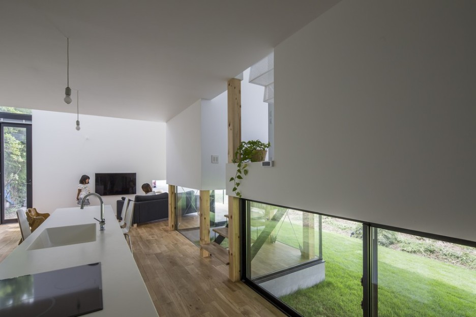 Modern Japanese Architecture Home Gives Inspiring Design Idea: Gorgeous Kawate Residence Home Design Interior In Kitchen Space Used Wooden Flooring And Glass Sliding Wall Design Ideas